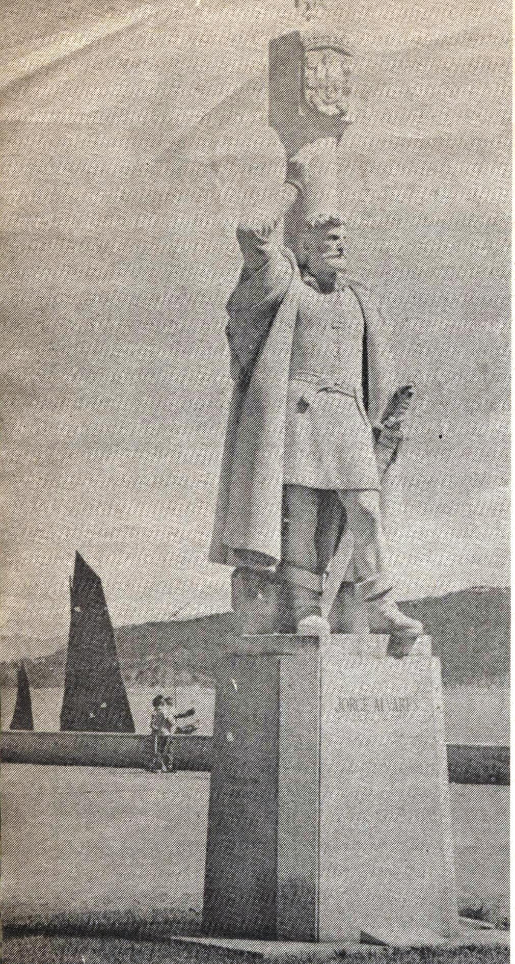 MONUMENTO Joge Alvares 1960