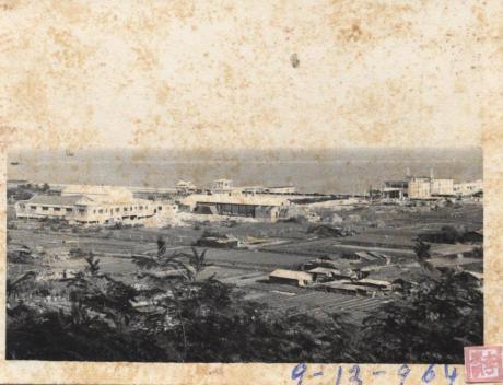 9DEZ1964 Ponte Cais Hangar Porto Exterior