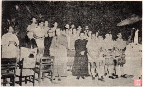 MACAU B. I. Ano II n.º 29 15OUT1954 Procissão de velas Mong Há I