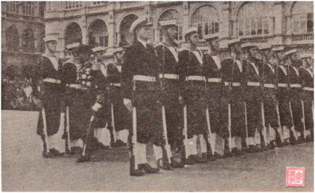 MOSAICO III-17-18 1952 - Visita do Governador a HK III