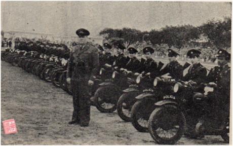 MOSAICO II-9 MAI1951 Demonstração Força Policial IV